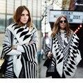 2017 Autumn cozy sweater women Multi-worn black and white printing Knit Cashmere loose scarf shawl poncho Cardigan Female