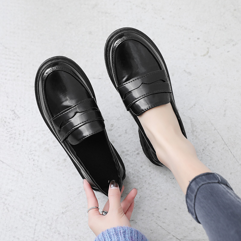 Genuine Leather Loafers Women Casual Shoes Female Metal Decoration Loafers Heels Women Leather Shoes Design Fashion Ladies Shoes