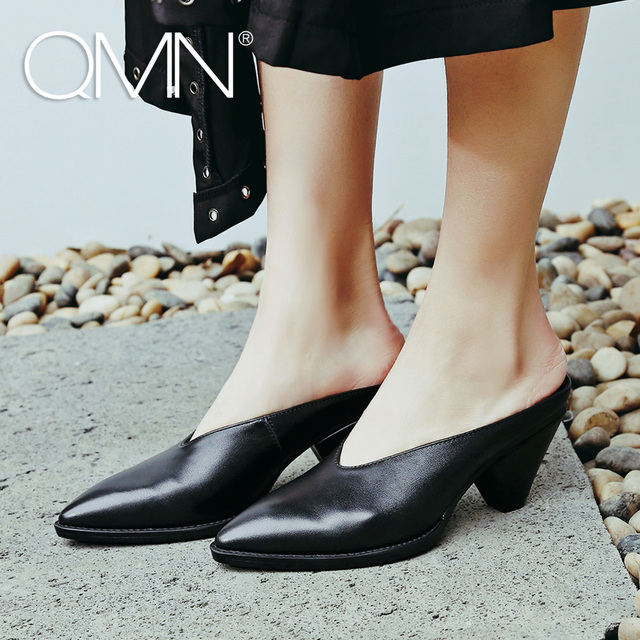 QMN women genuine leather slippers Women Crocodile Effect Patent Leather Pointed Toe Mules Slip On Summer Shoes Woman Slides