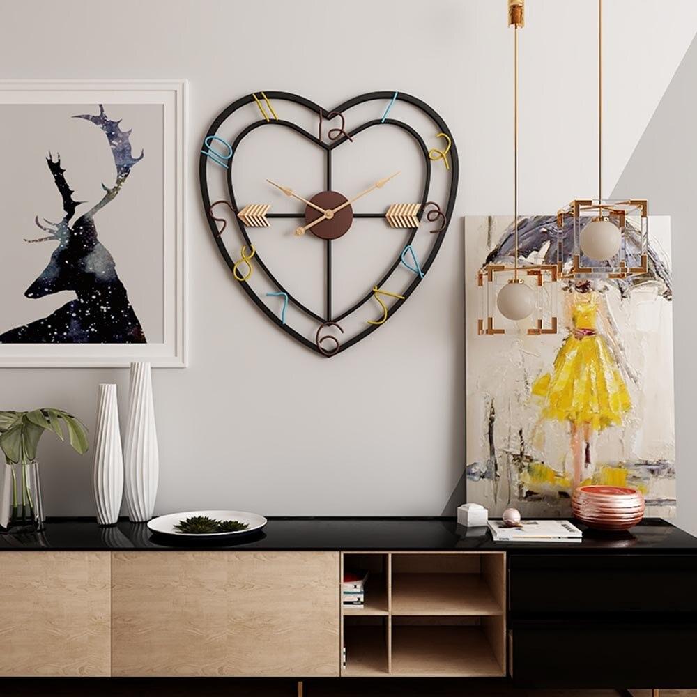 Moderne minimaliste créatif salon amour coeur Design horloge murale fer Art silencieux mur horloges décoratives pour la décoration intérieure