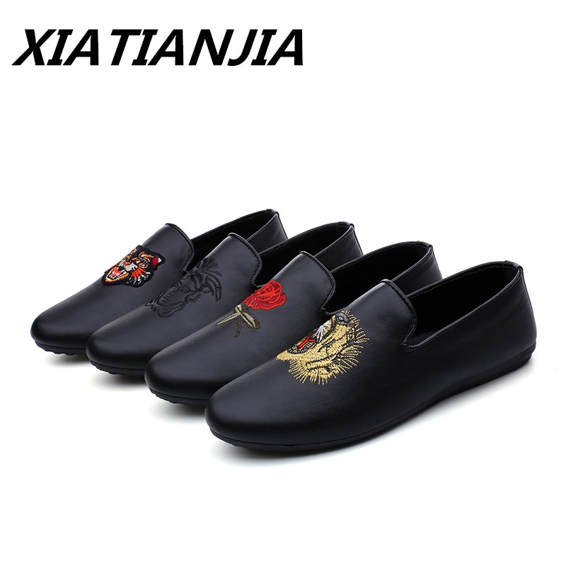 Best Selling Embroidery Half Peas Men Shoes Loafers  Men's Moccasins Breathable Light Non-slip Zapatos De Hombre Buty Meskie
