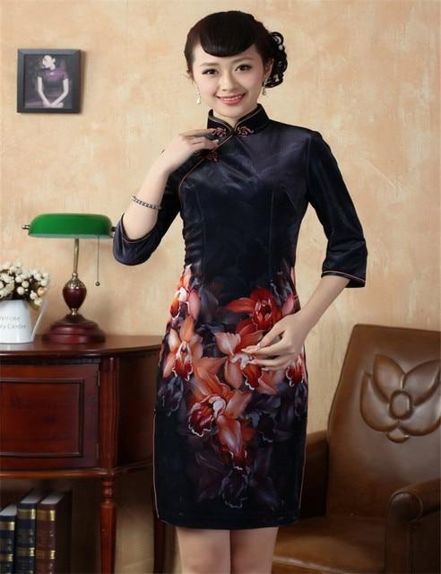 0c722e19a3840 Flowers Velvet Cheongsam Women Winter Chinese Traditional Dress Mandarin  Collar Vintage Bodycon Dresses Plus Size Short