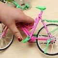 Brinquedo Modelo de Construção em miniatura Moda Modern Destacável Plástico Da Bicicleta Da Bicicleta Kits Encaixa Para Barbie Rotatable Rodas 26x8x17 cm