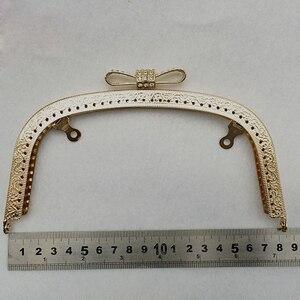 Image 5 - 10 pçs 18.5cm beijo fecho de bloqueio para as mulheres bolsa de embreagem metal quadro alça diy fecho em relevo acessórios do saco