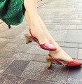 Nuevos Tacones Medianos Talón Bombea Los Zapatos de Las Mujeres de Cristal Rhinestone Deco Strange Tacones De Piel Desmontable estera Zapatos Casuales zapatos de mujer