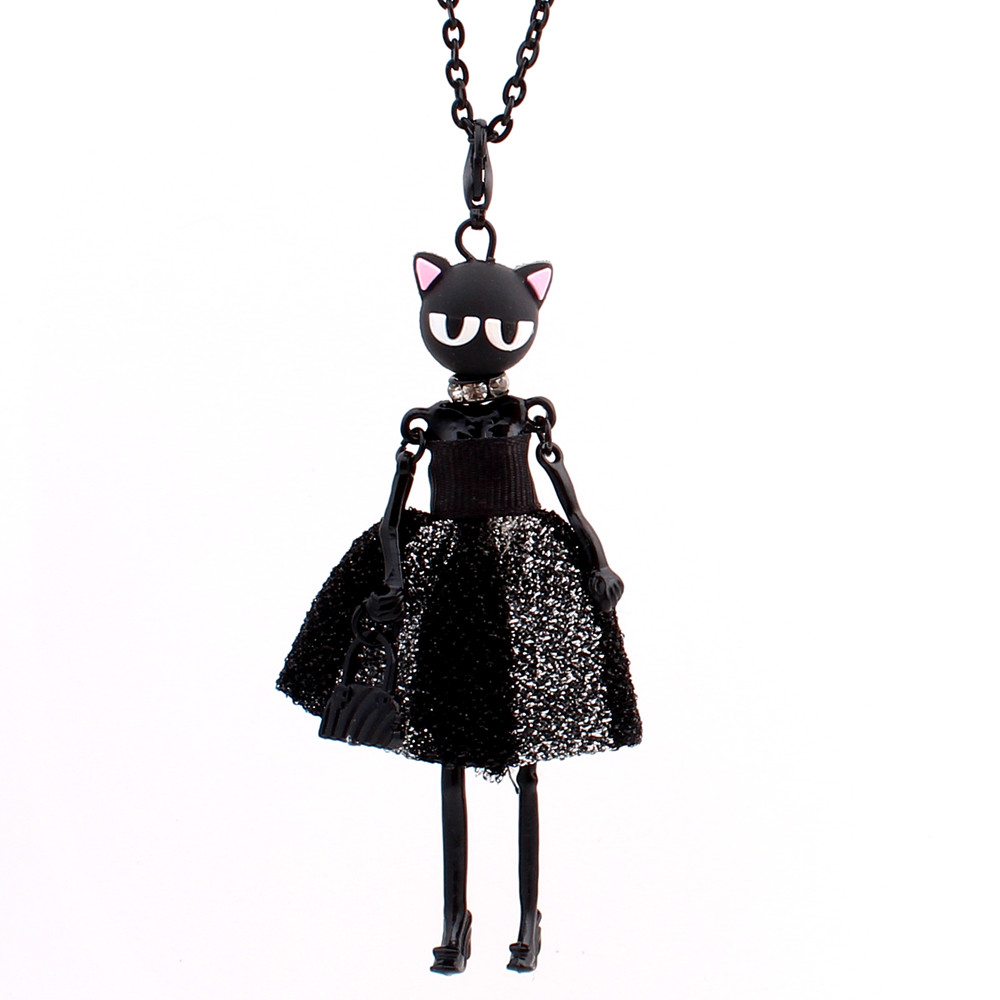 Long necklace necklace pendant elegant doll dress black and white with flowers