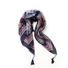 Nouveau mode paisley imprimer coton carré écharpe avec le gland femmes  mince voile de soie hijab head wear bandana dame foulards. 9708bbfb4fa
