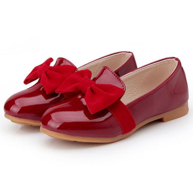 2017 outono nova meninas do bebê de couro shoes patent pu plano com infantil primeiro walkers shoes butterfly-nó meninas da criança shoes
