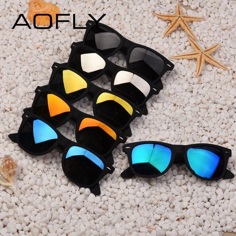 Пластмассовые солнцезащитные очки