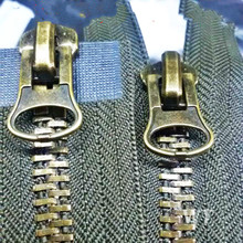 2 PCS/LOT  HEAVY DUTY vintage Bronze Zipper Metal WAY double End slider BLACK/ARMY GREEN FOR clothes sewing accessories SAVE!