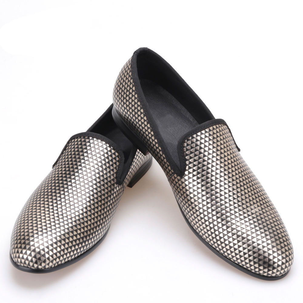 Pyramid three color loafer executed in nubuck with an embossed rubber print Boasting 3D effect men  dress shoes three 100ml
