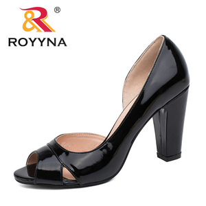 Image 1 - ROYYNA نمط جديد النساء مضخات الضحلة النساء أحذية عالية الكعب سيدة أحذية الزفاف مريحة ضوء حجم 5.5 8.5 شحن مجاني