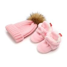 Delebao Winter Baby Shoes & Hat Sets Pure Cotton Fluff Crib New Fashion Style