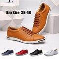 Grandes zapatos de los hombres zapatos casuales de la moda 38-48 hombres mocasines de cuero de lujo Cordones de los zapatos planos zapatos de conducción de los hombres 5 colores opcionales En 2017, el