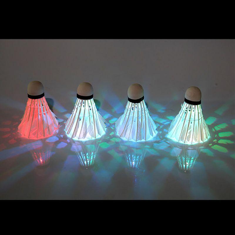 4 шт. птички Освещение ночь Красочный светодиодное Бадминтон Воланы Гусь Перо мяч обучение badmintion шары