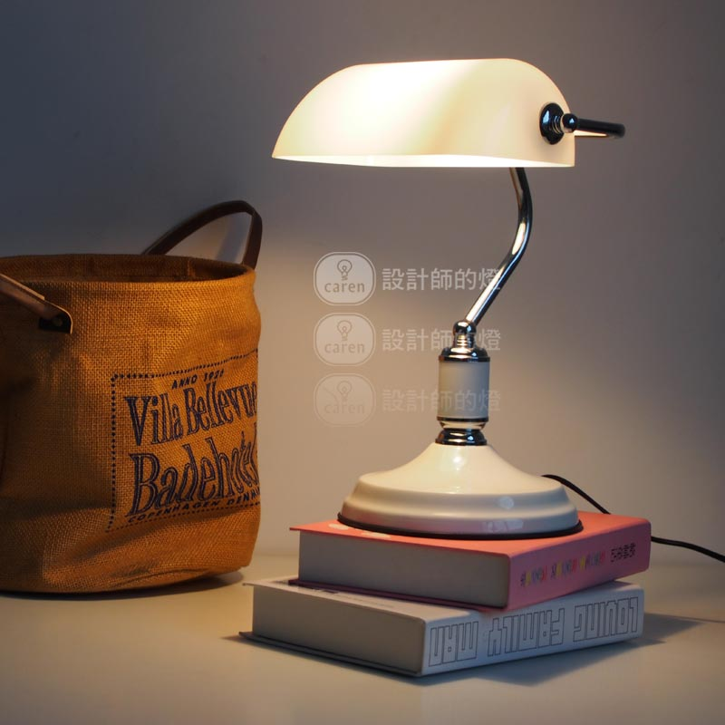 A1 Designer lamp table Lamps creative European bedroom bed decoration American retro bank desk lamp Jiang Jieshi desk lamp
