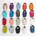 2017 Зима новый дизайн детские мокасины кожа малыша обувь Стильные Мягкой Подошвой первые ходоки моды кисточкой новорожденных обувь