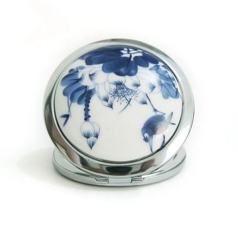 Makeup Mirror White and Blue Porcelain Pocket Mirror Compact Folded Portable Small Round Hand Mirror Makeup Vanity Metal espelho 4  Makeup Mirror White and Blue Porcelain Pocket Mirror Compact Folded Portable Small Round Hand Mirror Makeup Vanity Metal espelho HTB1xGKdNXXXXXcXXFXXq6xXFXXXd