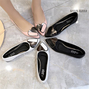 Image 5 - Sharp head flat bean shallow mouth single elegant Ms. shoes spring and autumn 2018 new type of wild womens shoes European style