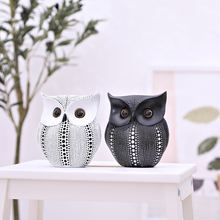 Minimalist Craft White Black Owls Animal Figurines Resin Miniatures Home Decoration Living Room Ornaments Crafts Nordic Style