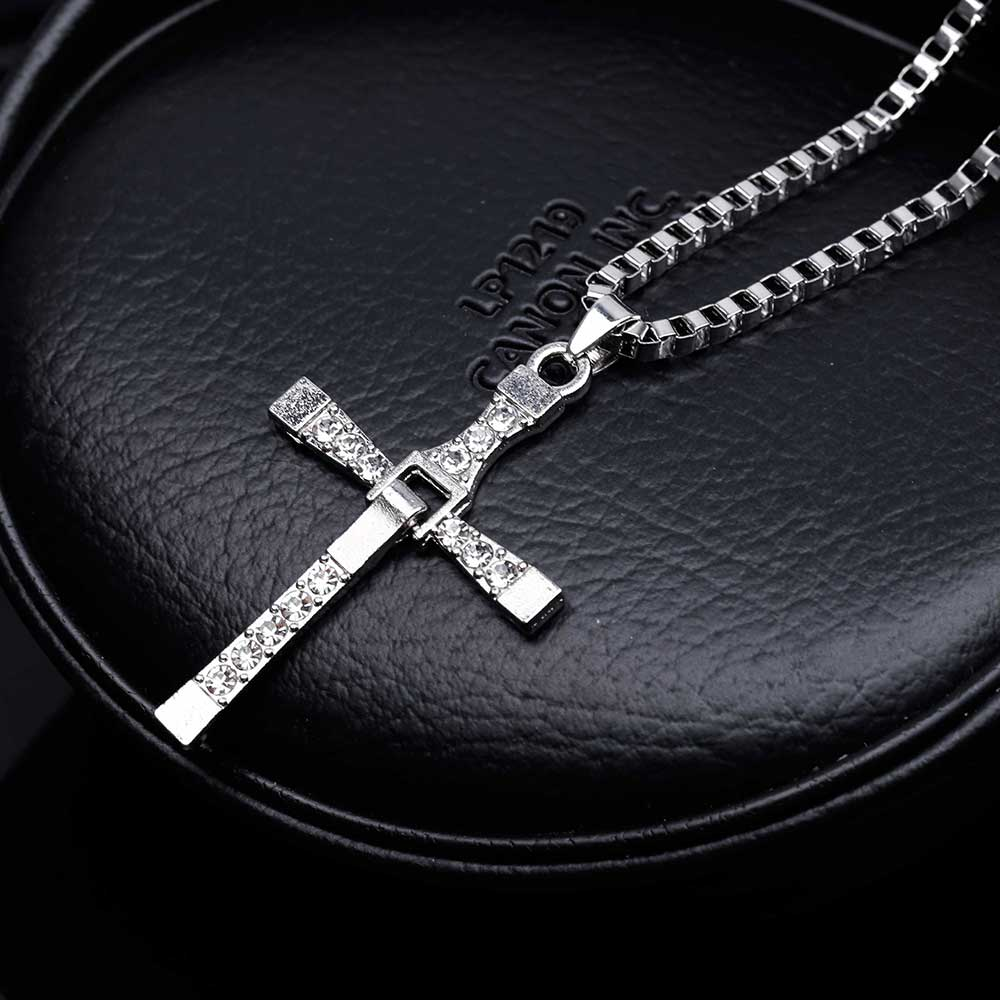 MAXX The Fast And The Furious Dominic Toretto Vin New Movie Jewelry Classic Rhinestone Pendant Sliver Cross Necklaces Men 2018