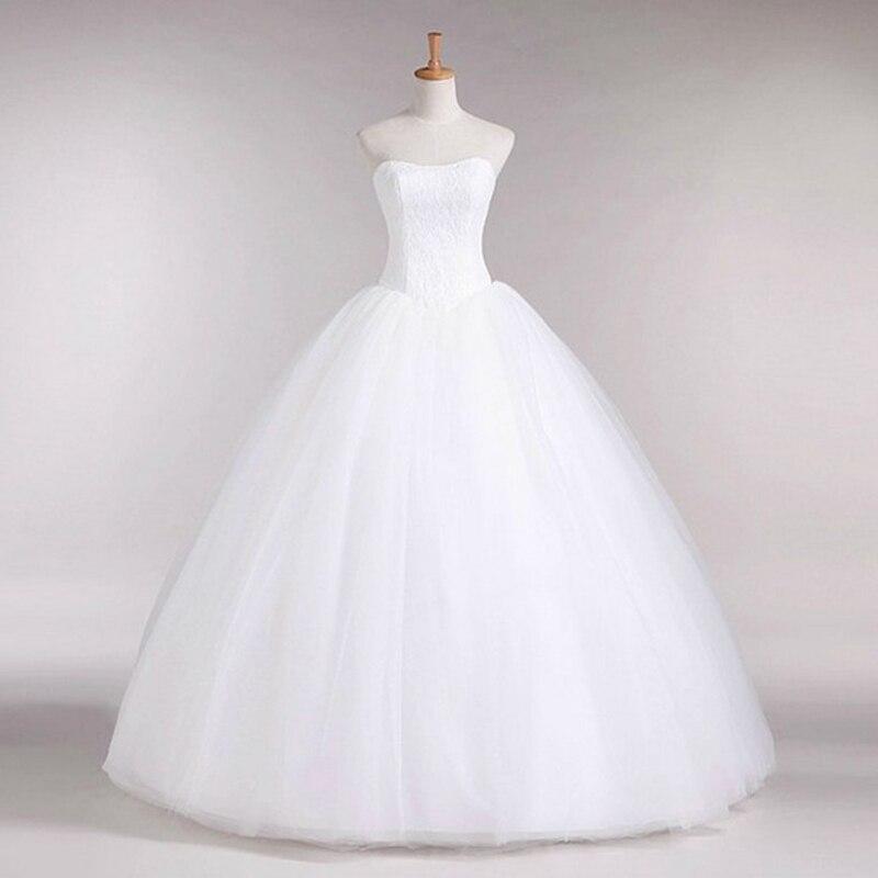 Свадебное платье на манекенах