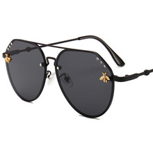 0d26b5cbb9 Trend New Brand Little Bee Glasses Fashion Brand Diamond Sunglasses Unisex  Metal Frame Gradient Lens 2018 Luxury Pilot Glasses