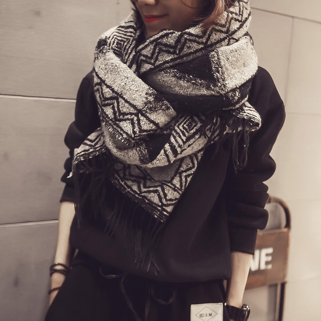 2016 New Retro National Wind Geometric Lingge Scarf Women Autumn And Winter Keep Warm Dual Purpose Shawl Female Pashmina