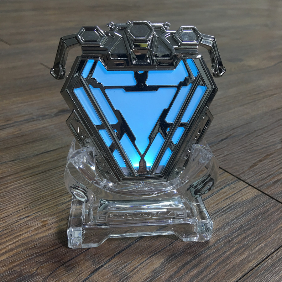 Movie Props Series Iron Man Chest lamp Diecast Reactor luminous Can be Worn Ark Alloy Model
