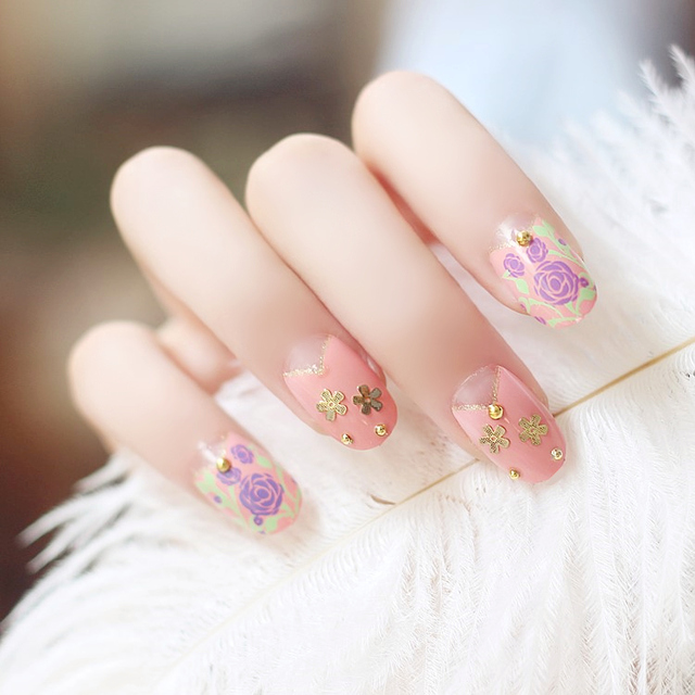 Pink golden color flower pattern fake nails Japanese cute acrylic ...