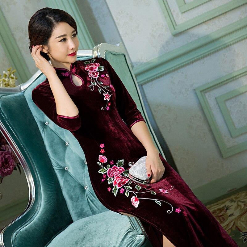 2018 New Chinese Women's Velvet Qipao Sexy Long Cheongsam Vintage Embroidery Flower Dress Plus Size S M L XL XXL XXXL 4XL женское платье brand new 2015 vestidos 5xl s m l xl xxl xxxl 4xl 5xl