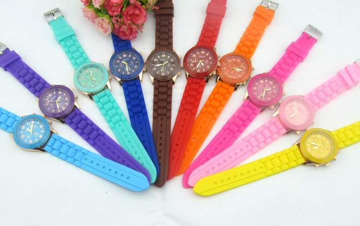 Goods In Stock Geneva Silica Gel Wrist Watch Korean Fashion Beautiful Colour Jelly Student Leisure Time Surface Women Watches