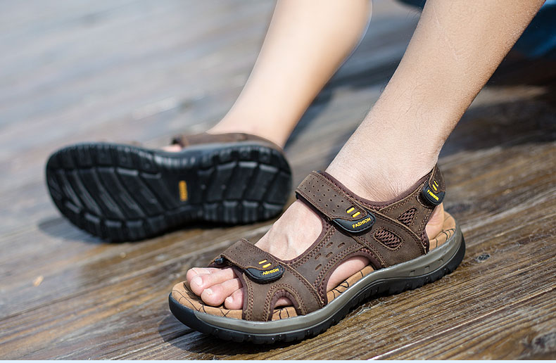 Hot Sale New Fashion Summer Leisure Beach Men Shoes High Quality Leather Sandals The Big Yards Men\`s Sandals Size 38-45 (21)