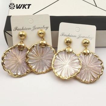WKT WT-E482 Classic hot sale white shell earrings fresh natural style daisy flower shape lady cute earrings jewelry
