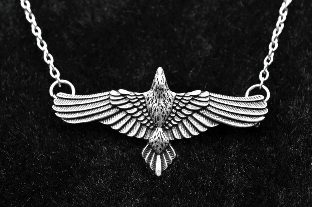 collier argent corbeau