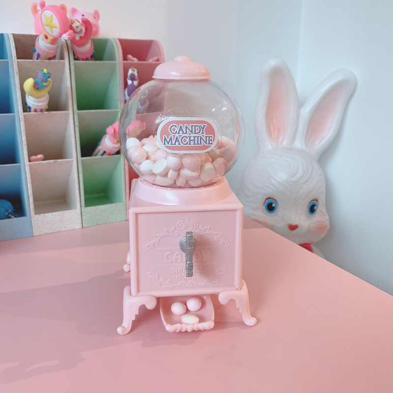 2018 Cute Candy Box Twisted Candy Machine Piggy Bank  Candy Box Small Sweets Dispenser Candies Storage Container 3DCXH23