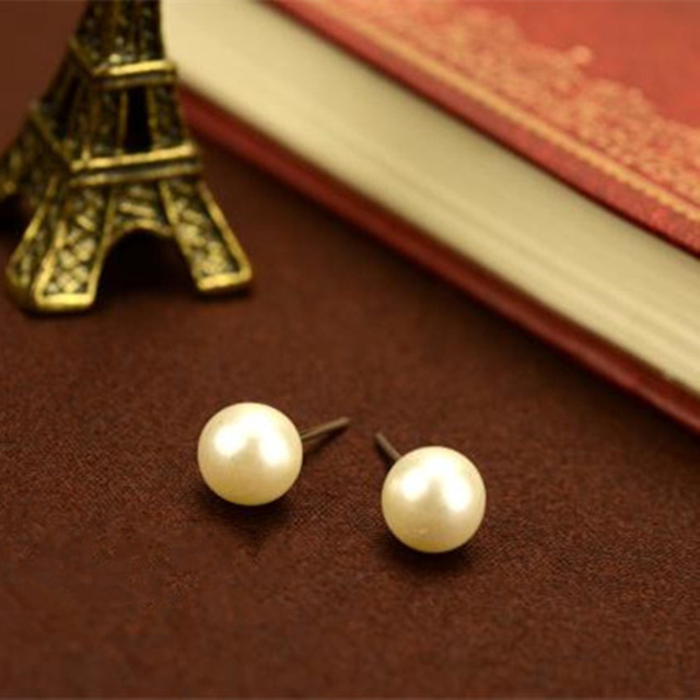 2016 Brincos Hot Trendy Women Ball New Fashion Cute Little 8mm Simple Pearl Stud Earrings String Jewelry Accessories Wholesales