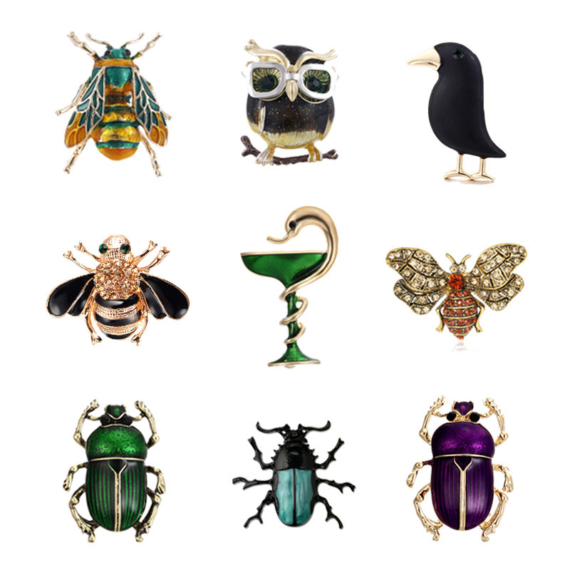 Lovely Animal Snake Owl Crow Brooches Pins Beetle Cockroach Broach Enamel Insect Bee Collar Badge Jewelry for Women Men Gifts close-up