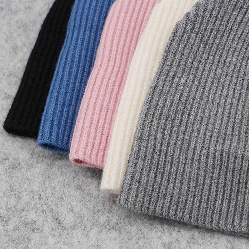 2018 Hotselling יילוד תינוק מוצק צבע מצולעים בימס כובעי עם פו פרווה פומפונים חדש בנות בני ילדים רך חמוד צמר כובעי skully