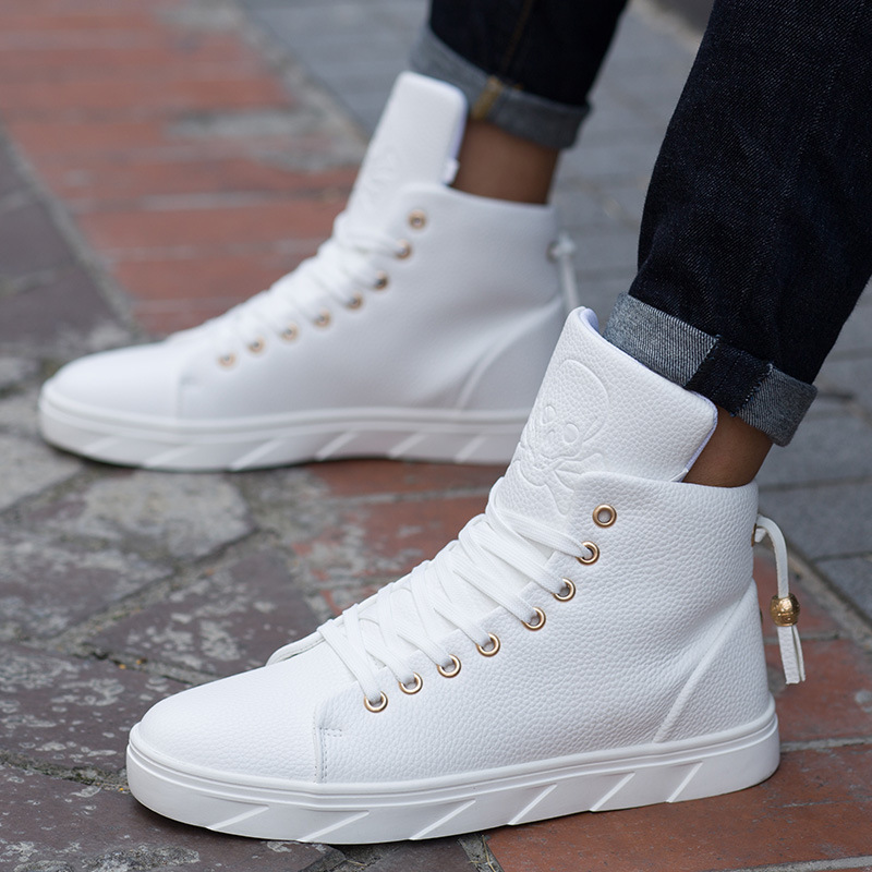 Flats-Sneakers Skateboarding-Shoes Street White Breathable High-Top Men Chaussure Homme title=
