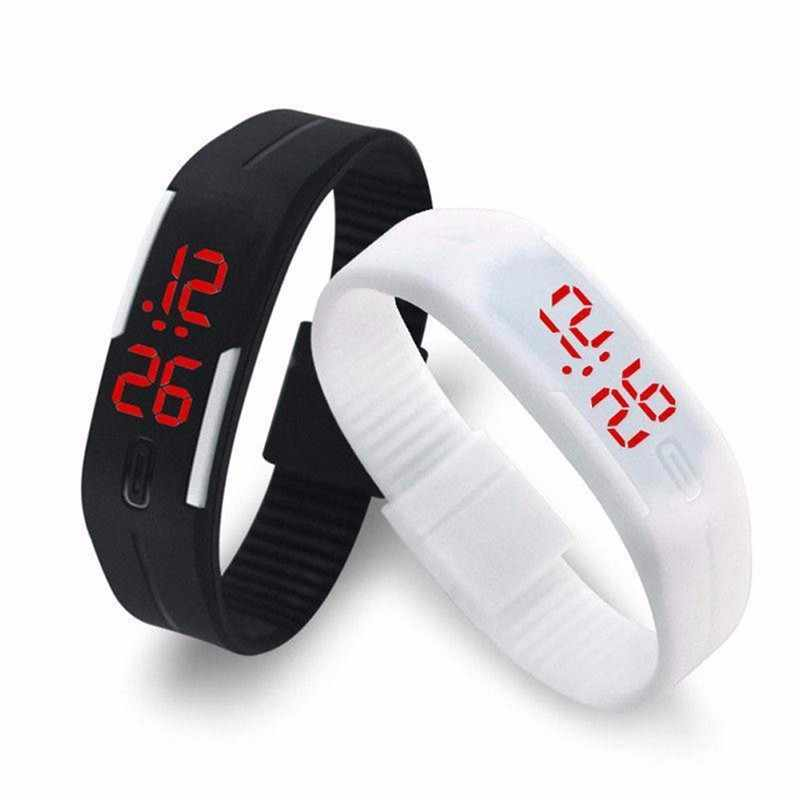 2019 New Fashion LED Sports Running Watch Date Rubber Bracelet Digital Wrist Watch Sports Watch Womens Mens Fitness Watch