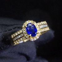 Оптовая продажа ювелирных изделий Классический роскошный Овальный натуральный драгоценный камень синий сапфир 18 k Золотое кольцо для женщ