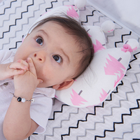 Baby Pillow Newborn Baby Pillow Baby Positioner Anti Roll Crown Shaped Flat Pillow For 0-2 Years Kids Size 20X25cm
