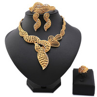 Wholesale Fashion Exquisite Dubai Jewelry Set Luxury Gold Plated Big Nigerian Wedding African Beads Costume Design