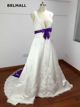 2018 Contrast Color Wedding Dresses Satin Applique Bridal Gowns Custom Made V Neck Real Picture