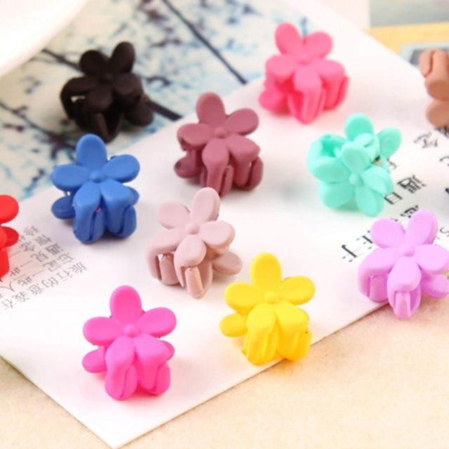 ece3ecba02142 10 Pcs lot Kids Girls Plastic Mini Hairpins Claw Hair Clips Clamp Flower  Hair Accessories Color Random delivery