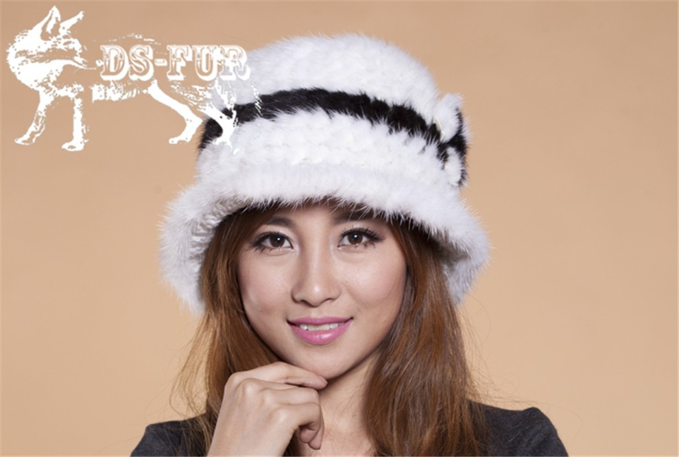 Mink knitted hats black and white stripes03