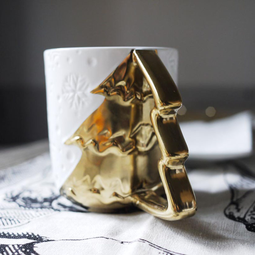 Christmas limited special design fashion modern <font><b>simple</b></font> classical gold snowflakes Ceramic Pottery Christmas tree Mugs <font><b>Cup</b></font> Gift