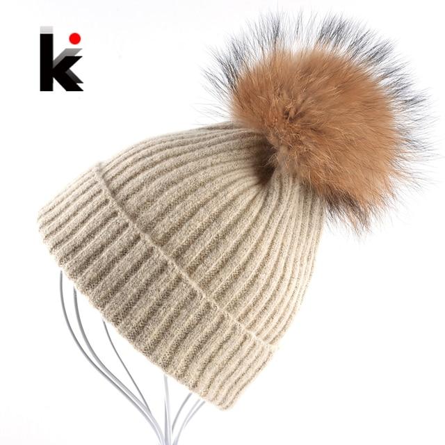 Mujeres gorros Raccoon Fur Pom Poms sombrero de lana gorro de punto ...