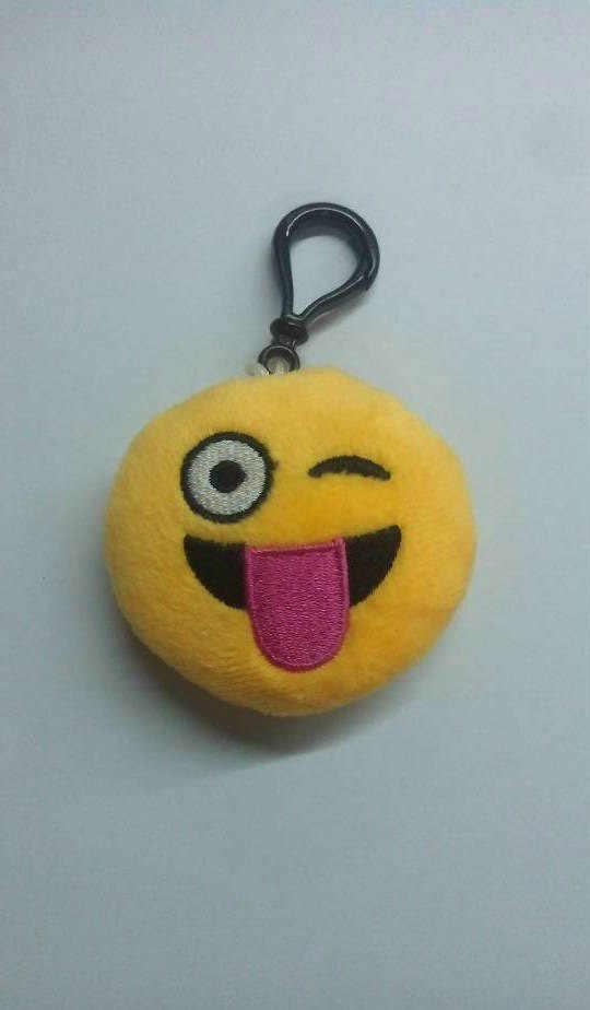 Funny emoji face dos desenhos animados brinquedos de pelúcia chaveiro pingente bonito macia pelúcia QQ mini bonecas sorriso rodada chaveiro presente
